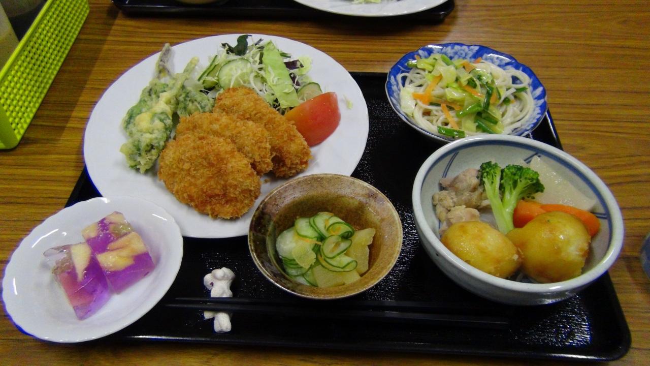 夕食(日によって変わります)